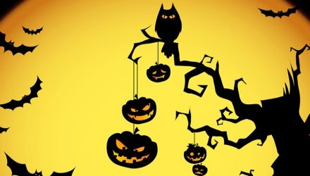 """In Halloween s'intrecciano business e occultismo"""