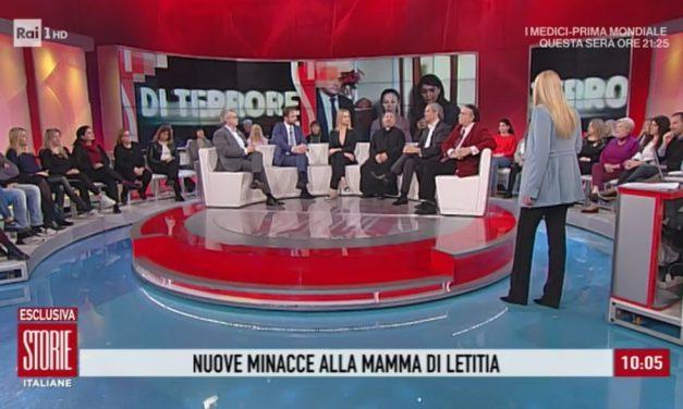 [ VIDEO ] Don Aldo a Storie Italiane incoraggia la mamma di Letitia che continua a ricevere minacce