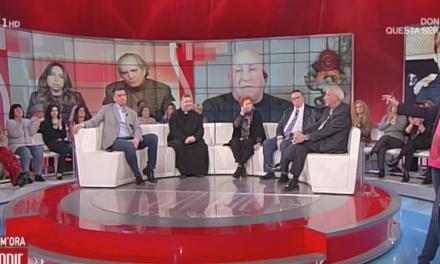 [ VIDEO ] Don Aldo incoraggia Bianca la madre del piccolo Mauro a Storie Italiane